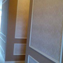 Оклейка обоями стен и потолка